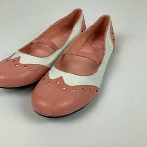 Cute To The Core Babydoll Wing Tip Flats  Retro 9